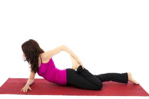 股関節ストレッチ「腸腰筋・太もも前ストレッチ」