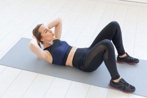 腹部の前面を引き締める!腹直筋トレーニング